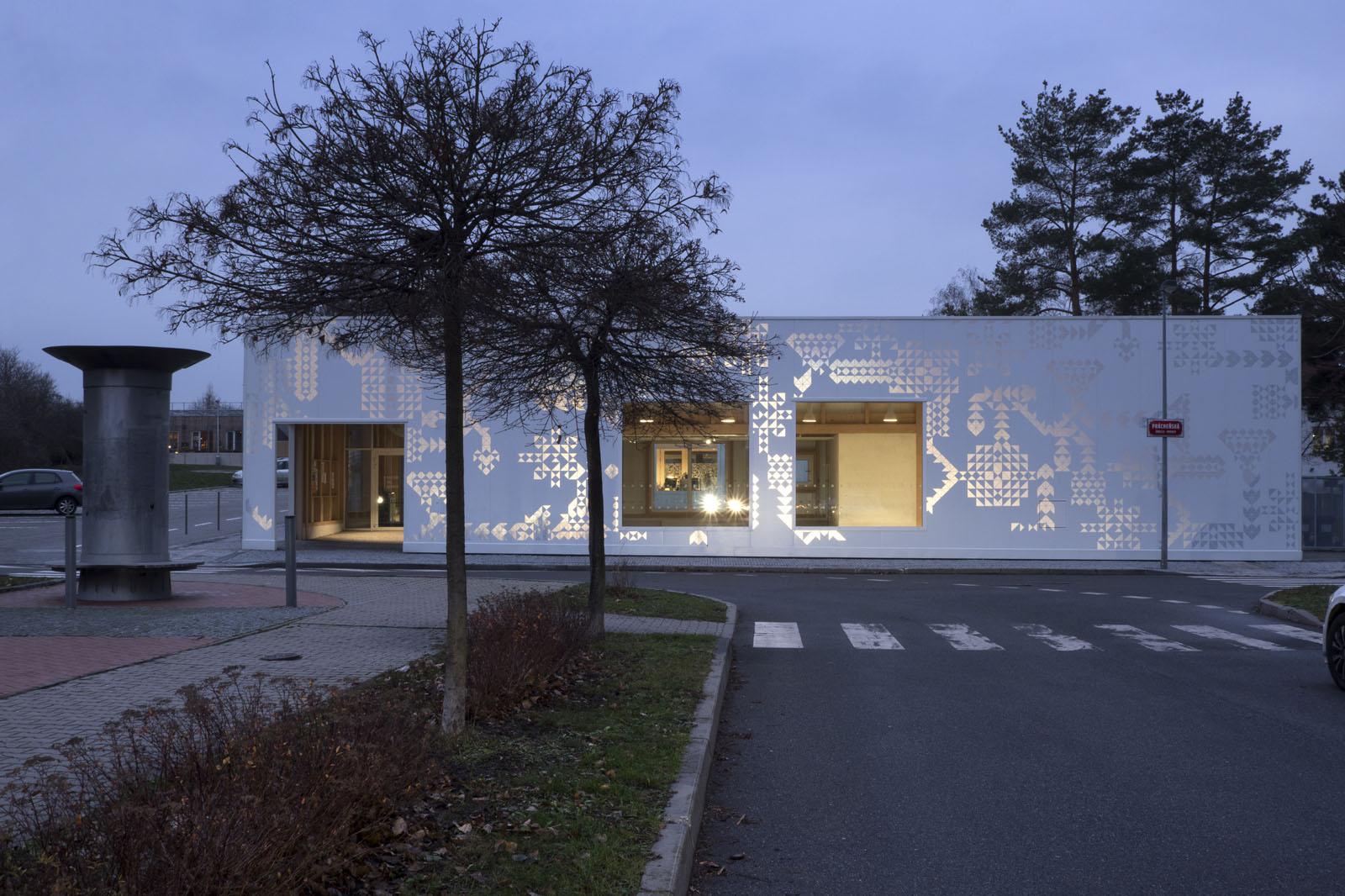 A.LT Architekti-obecní dům Ďáblice