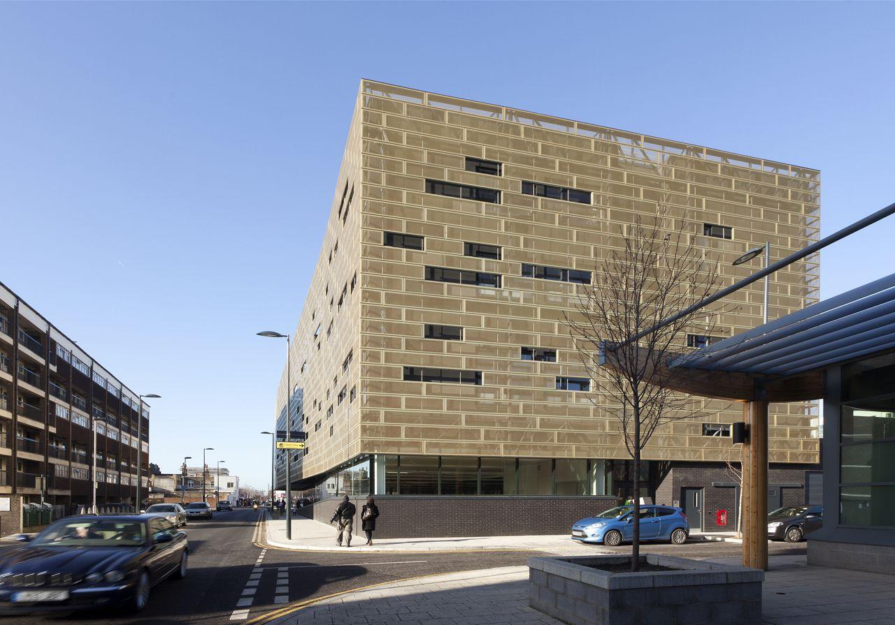 Pollard Thomas Edwards Architects - Deptford Lounge v Londýně - exteriér -foto © Robert Greshoff