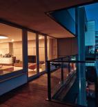 BEEF architekti - Interiér bytu River Park - pohled z terasy - foto © Jakub Dvořák