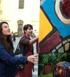 Alexandra Koláčková - Křesla pro město - Designblok 2013 - expozice na Kafkově náměstí - foto © Jan Poláček