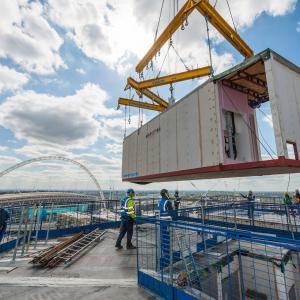 Nejvyšší modulární budova vEvropě – Apex House, Londýn. Zdroj: KOMA