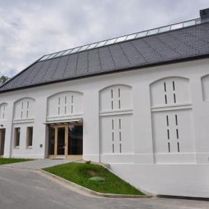 ATELIER ARCHITEKTURY, Šuda - Horský, a.s. - obnova sýpky - foto extreiéru © ATELIER ARCHITEKTURY